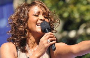 Whitney Houston il film che rivela gli abusi da bambina