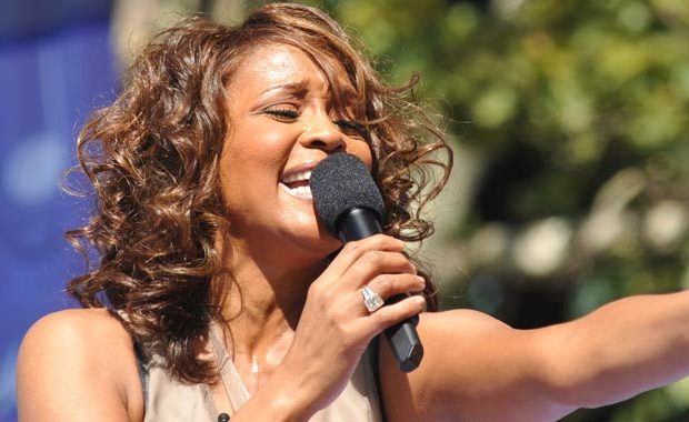 Whitney Houston shock: gli abusi dalla cugina!